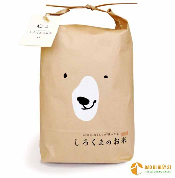 Túi giấy đựng gạo in hình gấu sáng tạo, vừa đơn giản nhưng tiện lợi