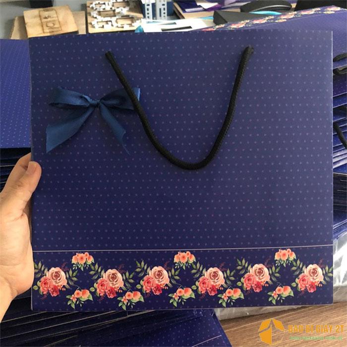 Túi giấy đựng quà cỡ lớn