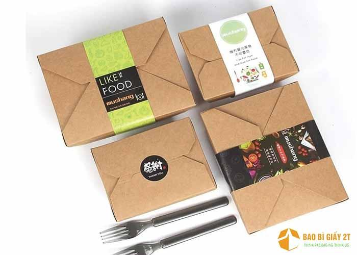 Hộp đựng thực phẩm dạng nắp gập, vuông vắn khá đẹp mắt và tiện lợi. Kích thước hộp đựng vừa 0.5kg hoặc 1kg đồ ăn