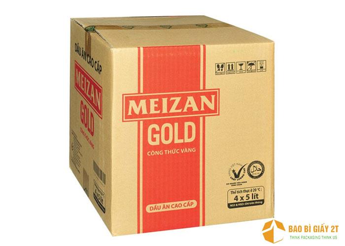 Meizan Gold chọn thiết kế thùng dầu ăn đơn giản, in thông tin cần thiết trên chất liệu nguyên bản của thùng carton.
